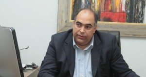 Luiz Gustavo Sampaio1