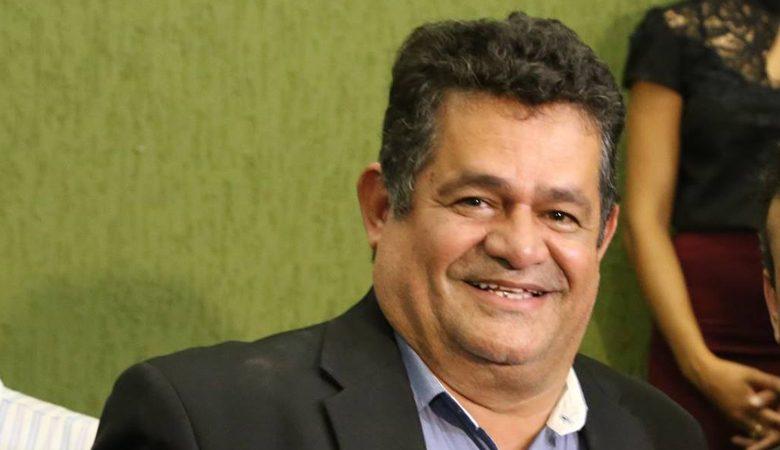 Aborrecido com atitude de alguns servidores da prefeitura Paulinho anunciou sua saída da base do prefeito na Câmara